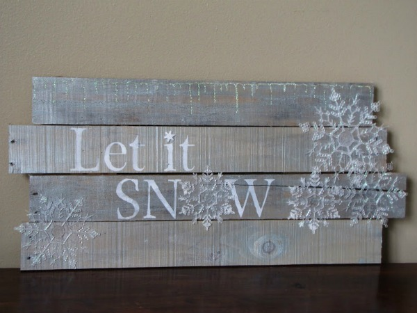pallet wood Let It Snow winter sign