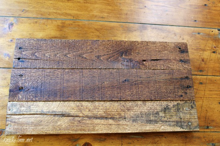 Make an easy pallet wood tray for Christmas tutorial - step 2 - KnickofTime.net