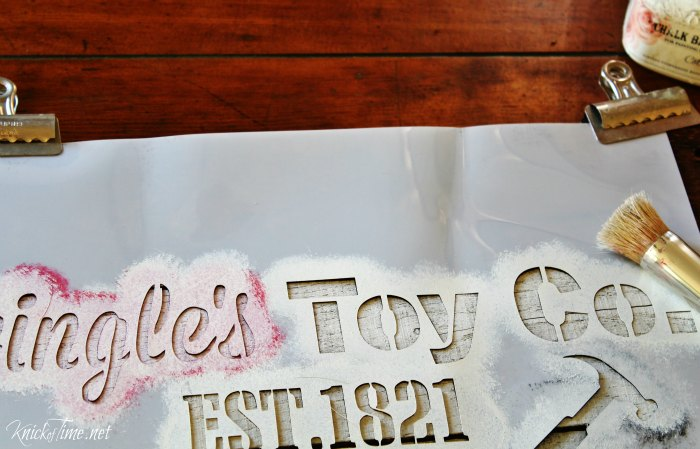 Make a stenciled Christmas sign on a pallet wood tray - KnickofTime.net
