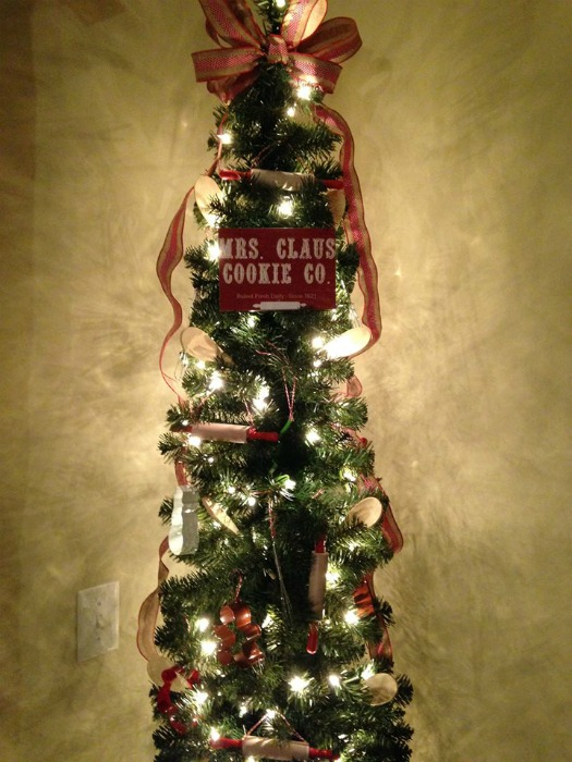 Mrs. Claus printable Baking theme Christmas tree