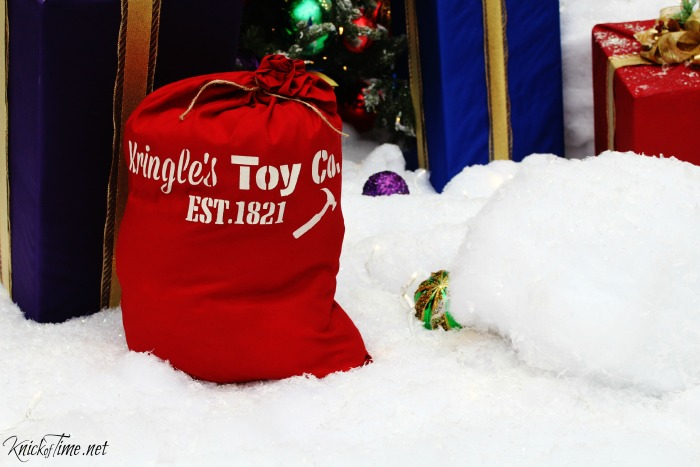 How to make a Santa's Sack Gift Bag with Knick of Time's Vintage Sign Stencils - KnickofTime.net