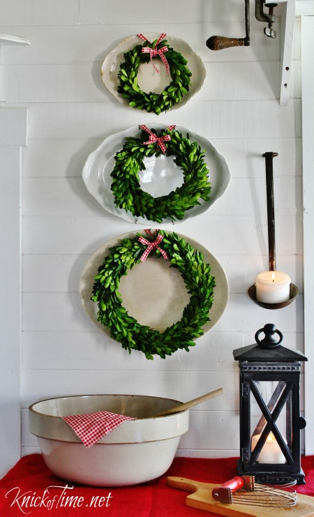 boxwood wreaths Christmas decor - KnickofTime.net