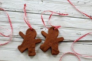 cinnamon dough gingerbread men ornaments - KnickofTime.net