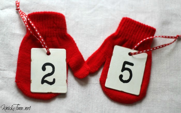 metal number tags for Christmas decor - KnickofTime.net