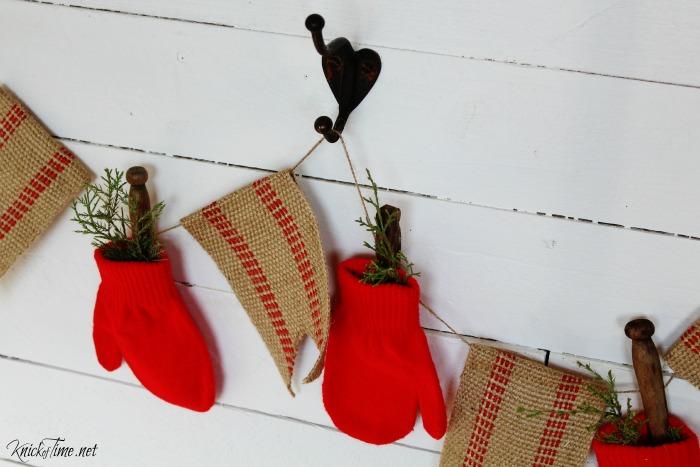 Christmas mittens garland - KnickofTime.net