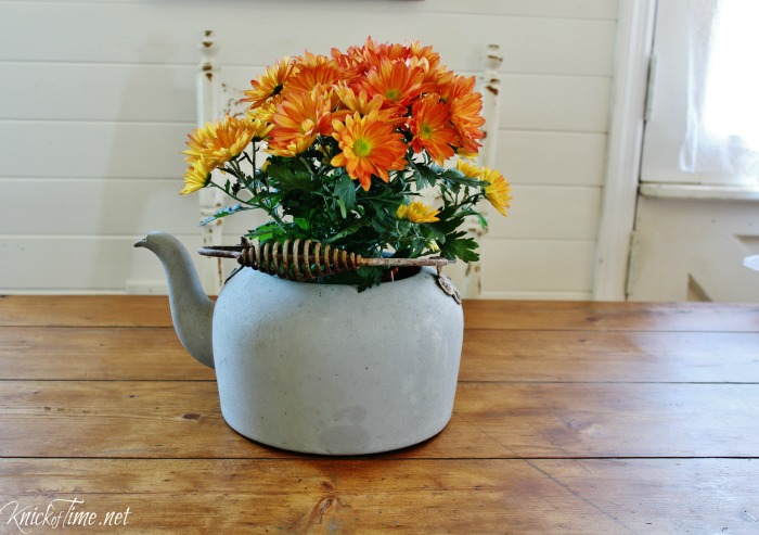 rusty old kitchen kettle repurposed flower pot - KnickofTime.net