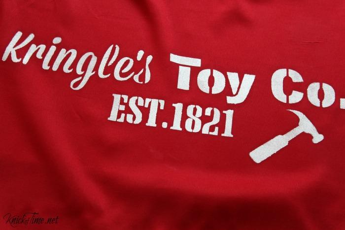 How to stencil a Santa's Sack - KnickofTime.net