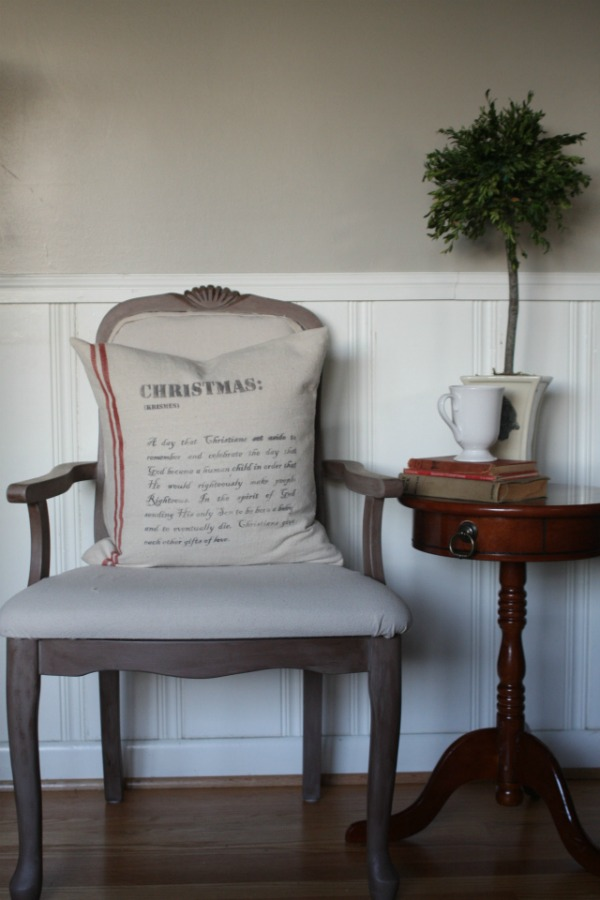 Christmas pillows featured at the Vintage Inspiration Party at MySalvagedTreasures.com