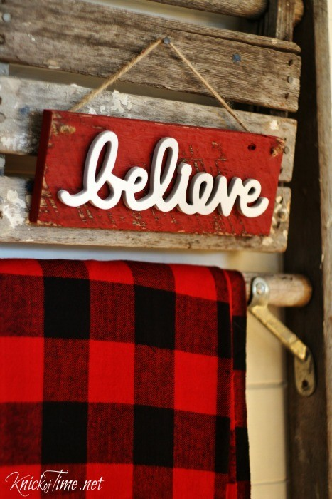 DIY believe in Christmas sign tutorial at Knick of Time