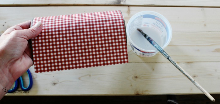 decoupage tin cans with scrapbook paper and homemade Modge Podge - KnickofTime.net