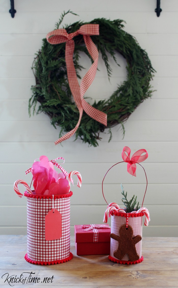 gingham Christmas wreath and repurposed tin can gift holders - KnickofTime.net