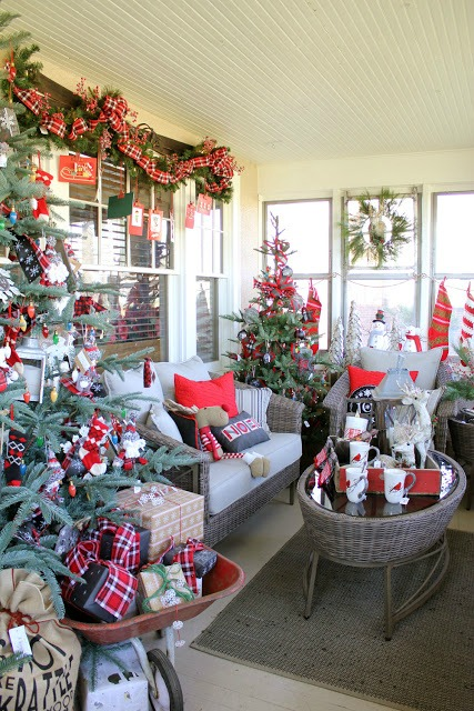 holiday house tour - featured at KnickofTime.net
