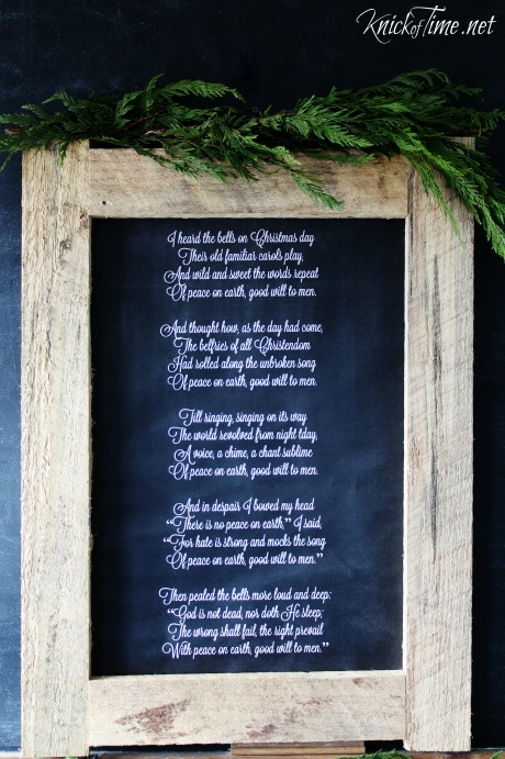 Free printable poster size Christmas chalkboard download available at KnickofTime.net