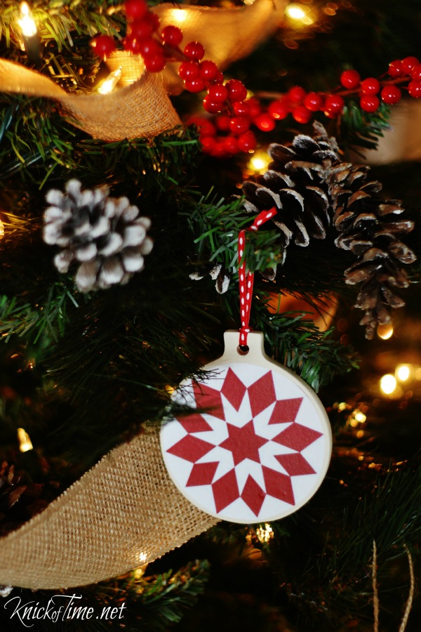 Create your own quilt block pattern DIY Christmas ornaments with free printables from KnickofTime.net