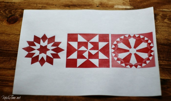 red quilt block designs for Christmas ornaments - KnickofTime.net
