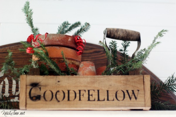rustic crate for Christmas - KnickofTime.net