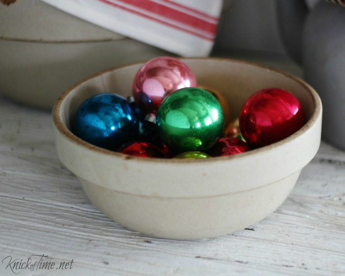 shiny bright vintage Christmas ornaments - http://knickoftime.net/