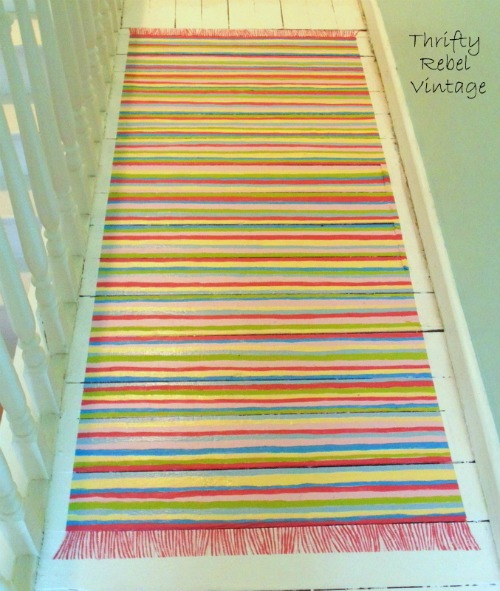 Faux Painted Rag Rug - featured at KnickofTime.net - Talk of the Town Link Party