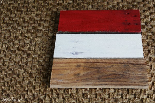painted and stained wood boards for Valspar crackled glaze review - KnickofTime.net