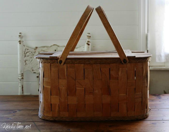 vintage wooden picnic basket - KnickofTime.net