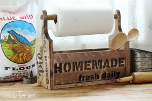 New DIY Farmhouse Wooden Tote with Vintage Sign Stencils by Knick of Time
