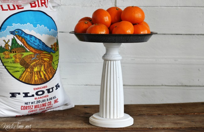 How to make a pedestal stand using an pie pan and a wood spindle - KnickofTime.net