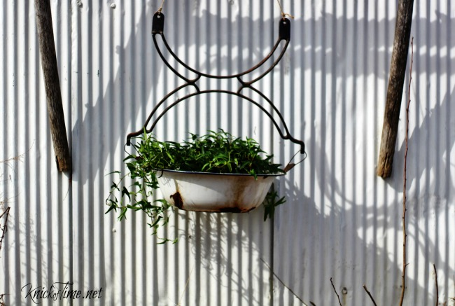 Repurposed Salvage Planter - KnickofTime.net