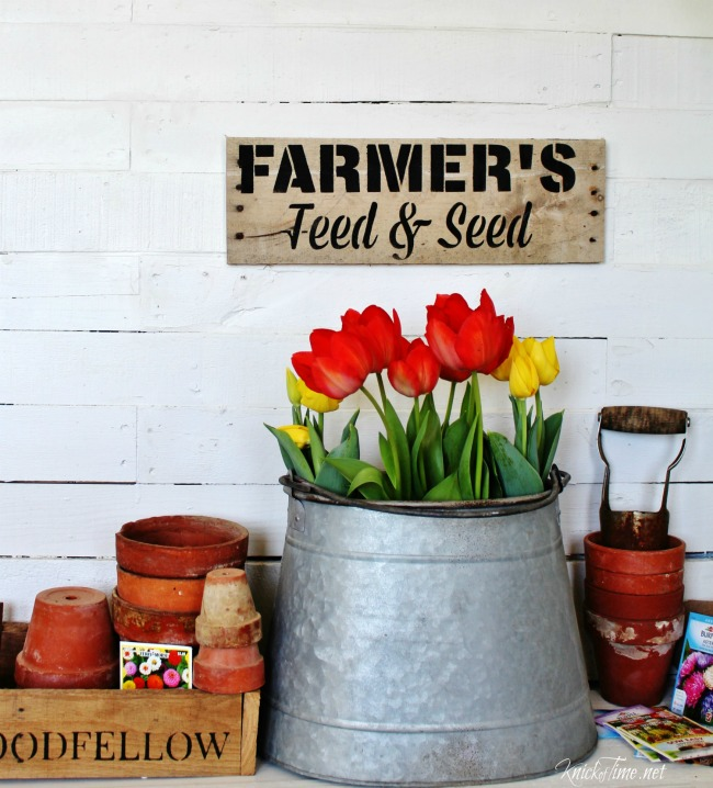 Pallet wood farmhouse sign - KnickofTime.net
