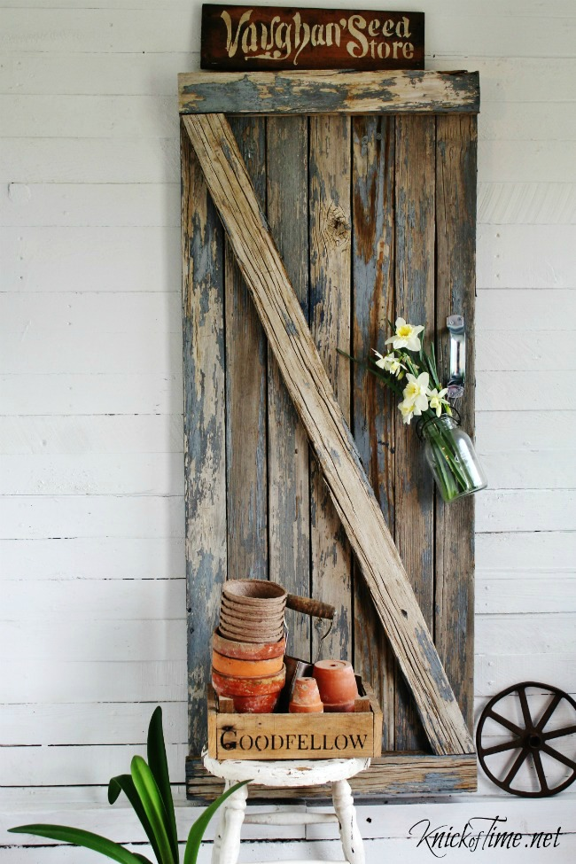 Reclaimed wood barn gate for spring entryway - www.knickoftime.net