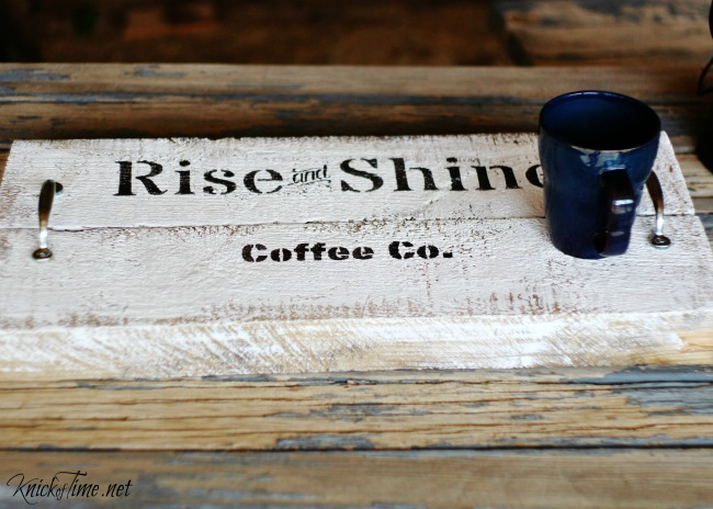 DIY rustic farmhouse wood tray tutorial - KnickofTime.net