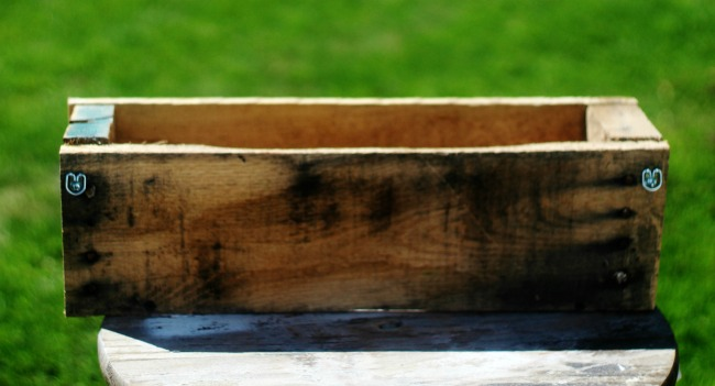 how to make a pallet wood crate - KnickofTime.net