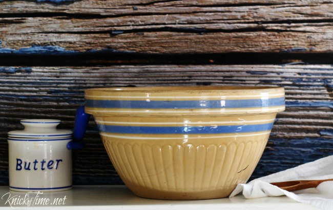 weathered blue background bowl - Knick of Time