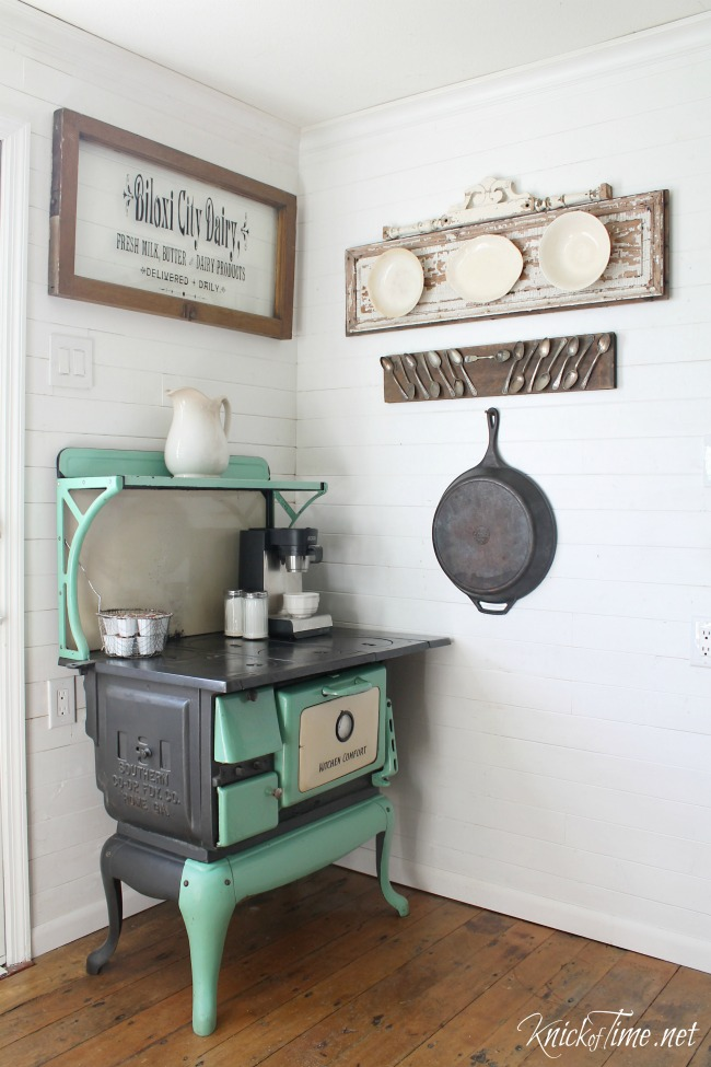 Antique kitchen stove with repurposed window sign - KnickofTime.net
