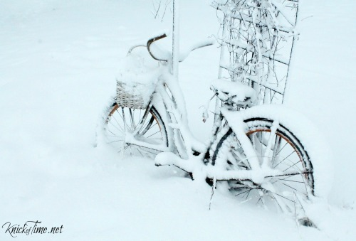 bike in snow - KnickofTime.net