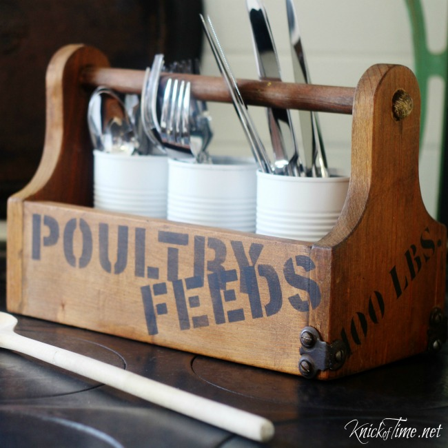 DIY farmhouse flatware carrier - KnickofTime.net