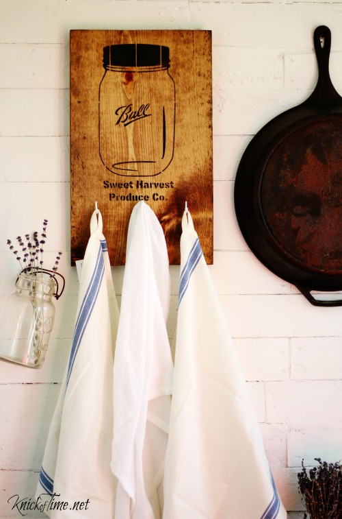 Easy to make mason jar kitchen wall hooks! Tutorial at KnickofTime.net