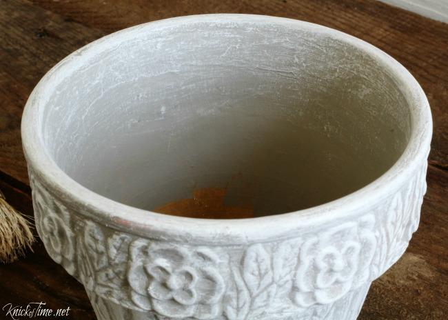Update the look of a thrift shop flower pot - KnickofTime.net