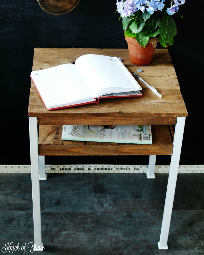 Giving a thrift shop accent table an industrial farmhouse look just needed pallets and painting! - KnickofTime.net