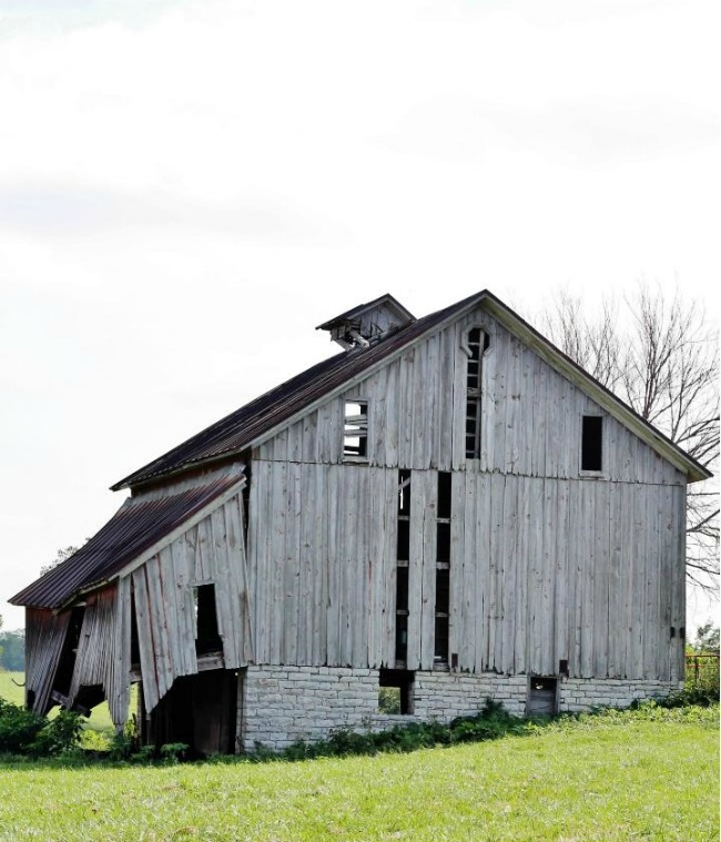 old weathered barn - Knick of Time.net