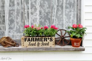 Create a rustic farmhouse window box from pallet wood in 1 hour or less! - KnickofTime.net