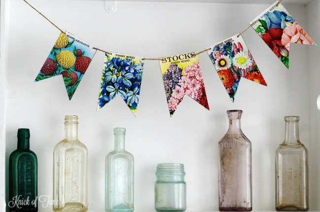 Create these easy to make vintage seed packet banners with free printables from KnickofTime.net