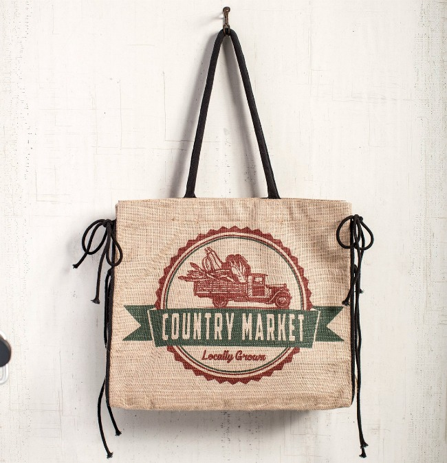 Rustic burlap market tote with country style! - www.knickoftime.net