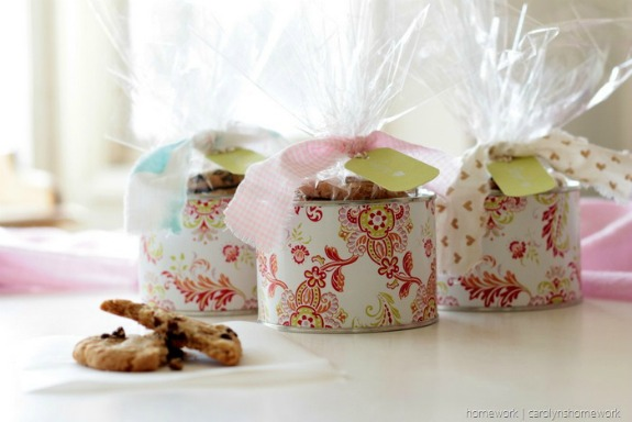 Cookie Tin Cans Gift Holders: 20+ Creative Ways to Repurpse Tin Cans | www.knickoftime.net