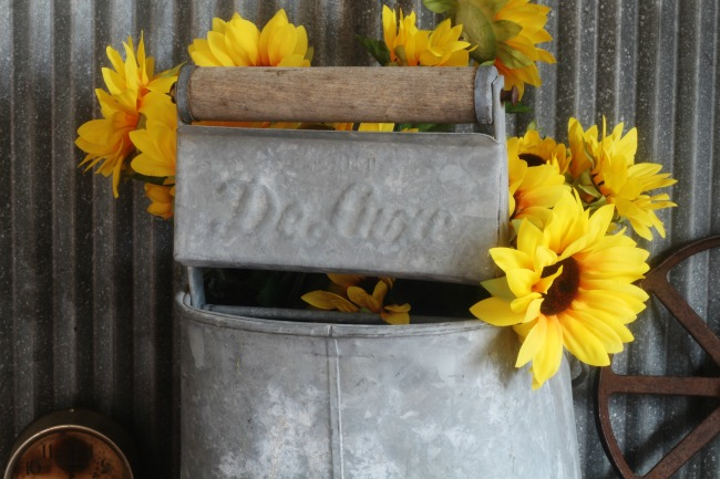 antique De Luxe mop bucket