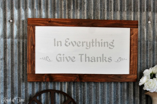 Celebrate Thanksgiving with this DIY Give Thanks sign - www.knickoftime.net
