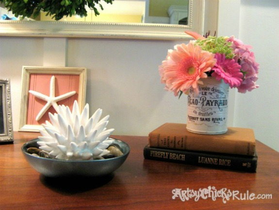 Decoupaged Tin Cans: 20+ Creative Ways to Repurpse Tin Cans | www.knickoftime.net