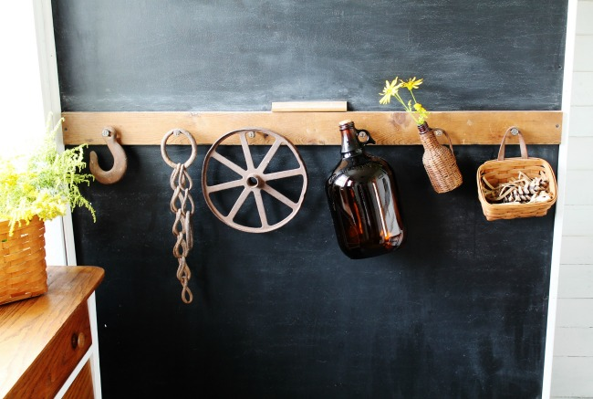 Turn rusty old farmhouse tools into fantastic farmhouse decor - www.knickoftime.nent