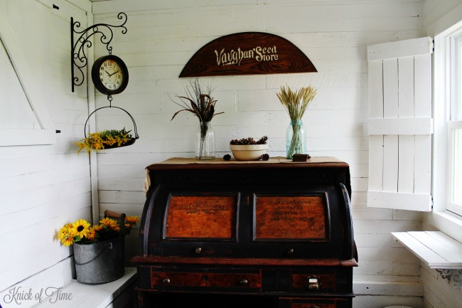 DIY farmhouse wood shutters and inexpensive decorating ideas for autumn - http://knickoftime.net/