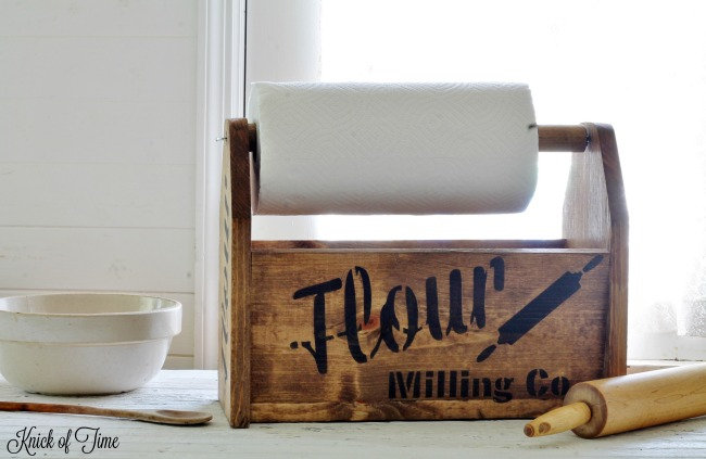 DIY farmhouse wood tote with Knick of Time Vintage Sign Stencils | www.knickoftime.net