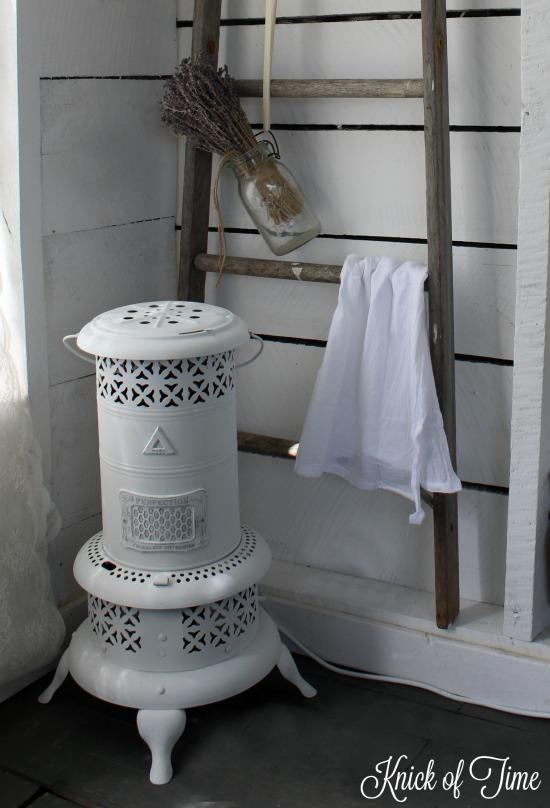 repurposed farmhouse light kerosene heater - www.knickoftime.net